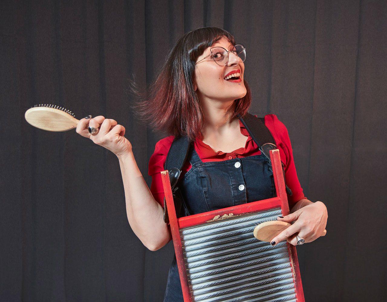 Veronica Sbergia, voce e ukulele